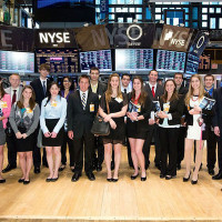 Alum gives business students a tour of the New York Stock Exchange