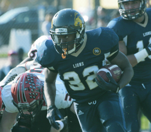 Sophomore running back Khani Glover rushed for 407 yards as a freshman.